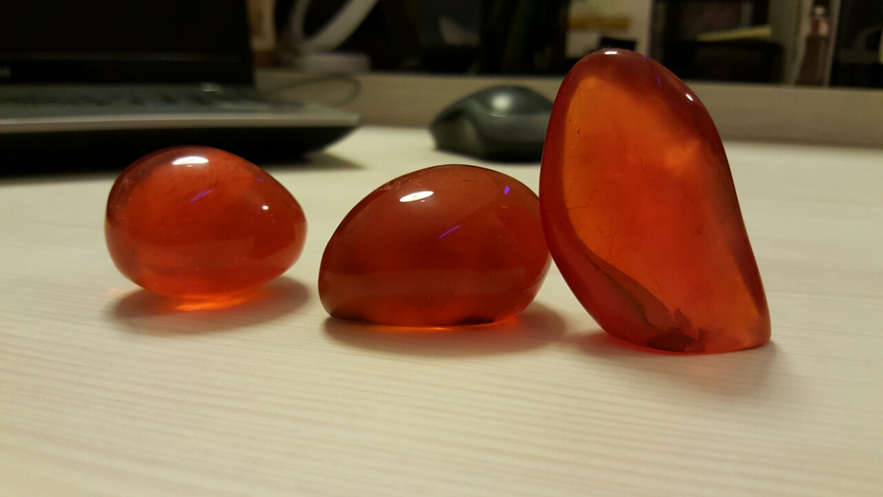 Blood amber material